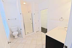 The Kirkwood, Senate Bathroom 1